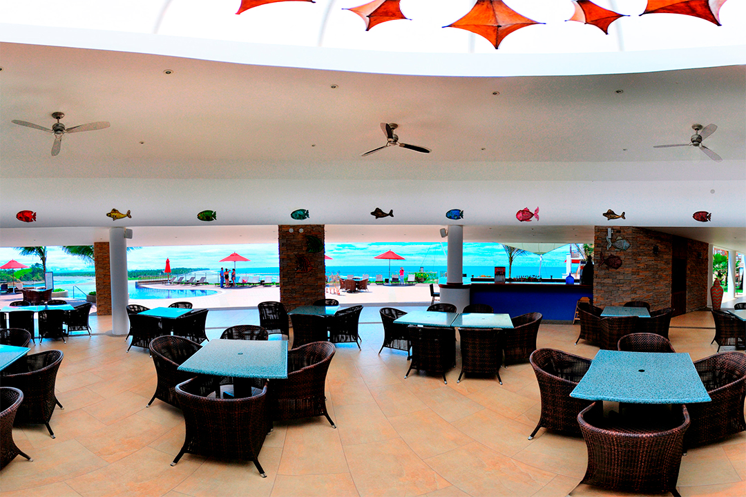 Restaurante Bar Decameron Mompiche