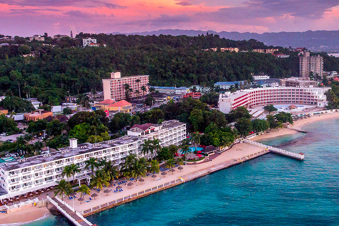 tourist packages jamaica royal decameron montego beach rh decameron com royal decameron montego bay air transat royal decameron montego bay monarc